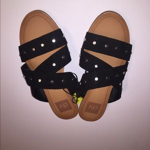 Women's black strap fashion sandals